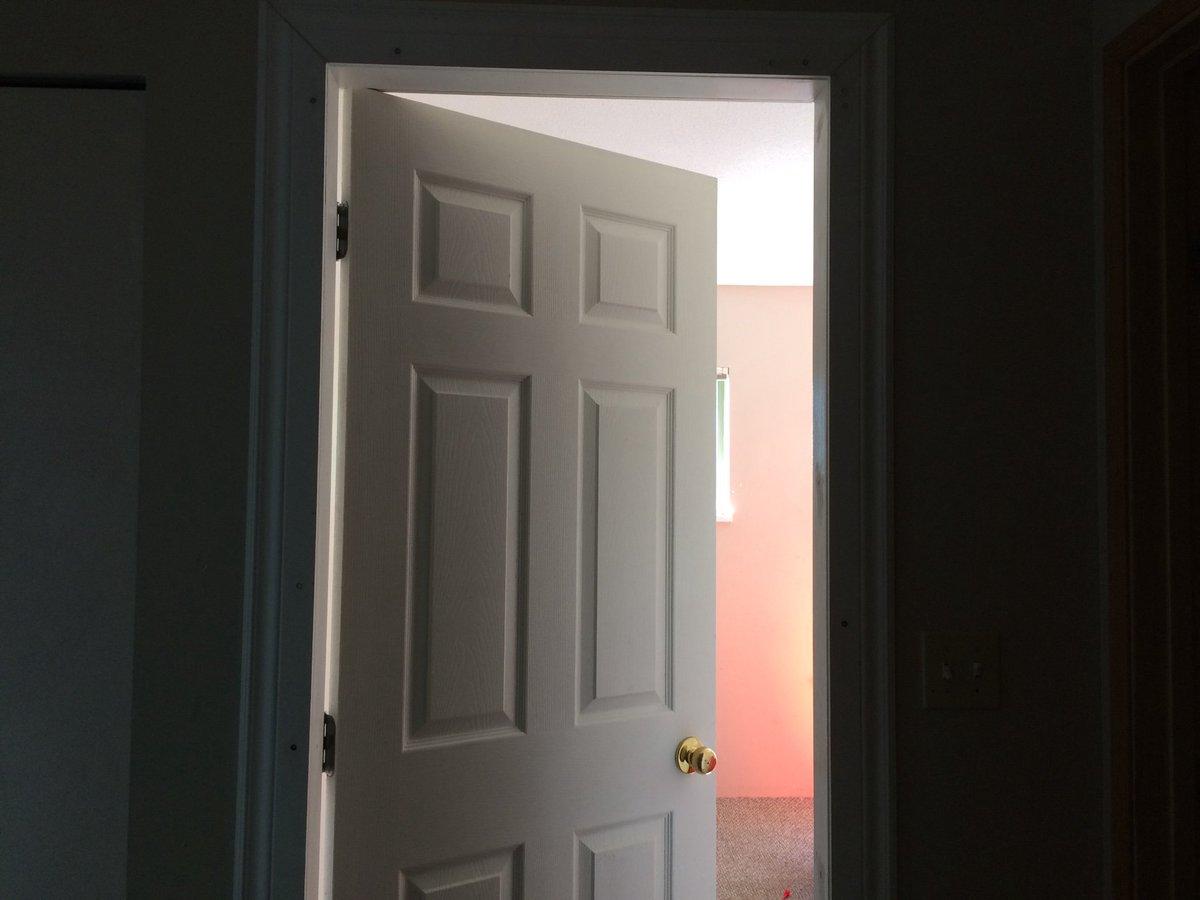 Монтаж на нова врата
